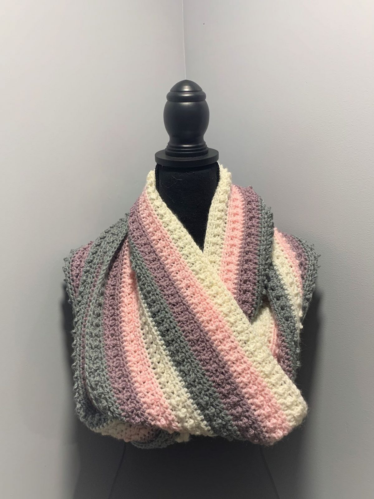 Pearl Infinity Cowl